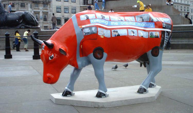 Zeichen der Endzeit - Seite 8 Cow-parade-1